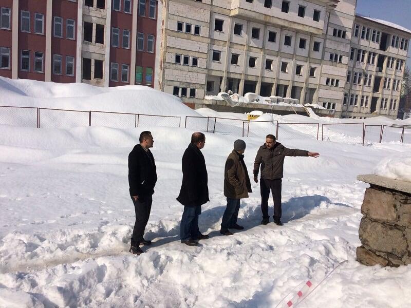 Kaymakam Erdoğan, okul inşaatını inceledi
