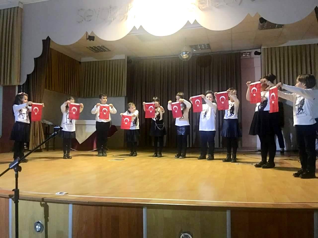 Öğrencilerin Çanakkale programı beğeniyle izlendi