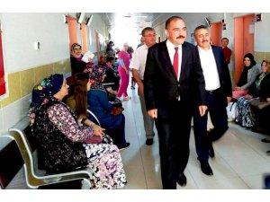 Başkan Konurer ve Tutal hastaneyi ziyaret ett