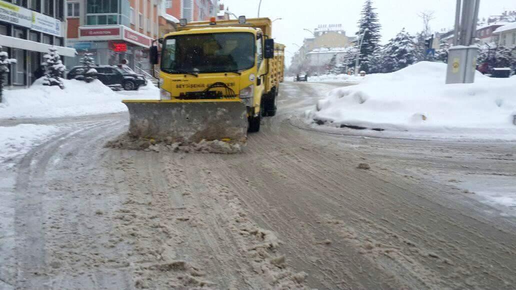 Seydişehir Belediyesi karla mücadele çalışmaları