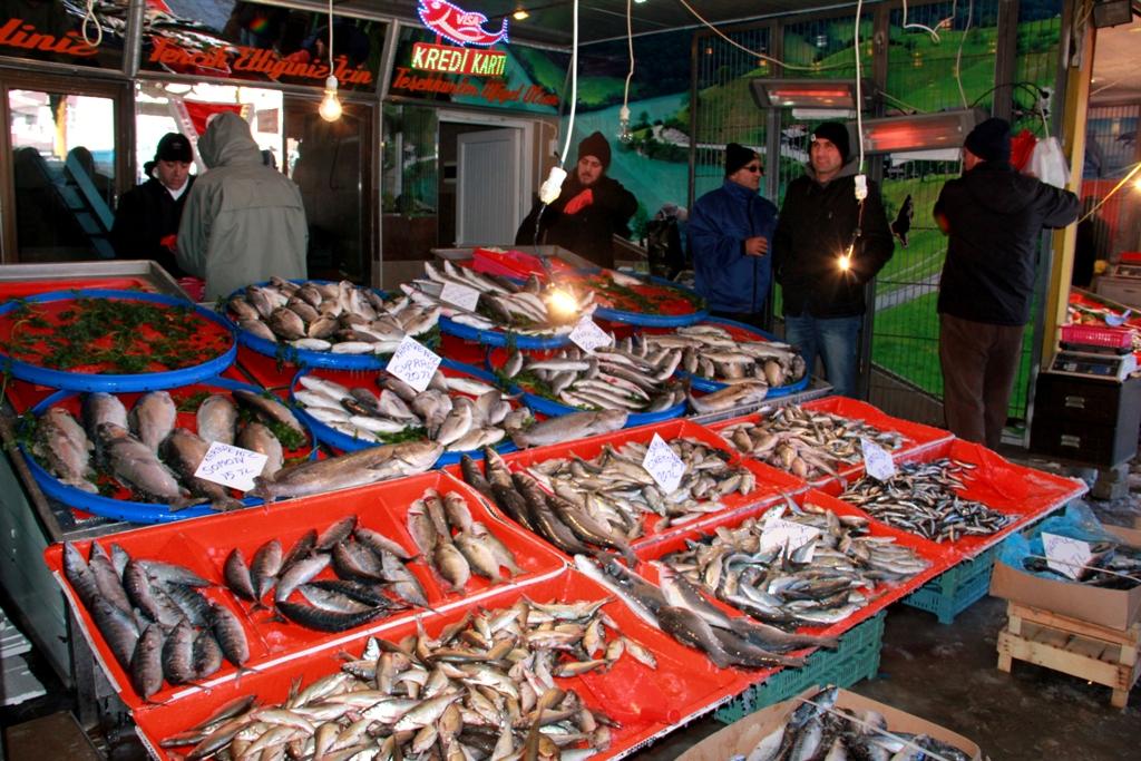 Göller donunca balık fiyatları yükselişe geçti