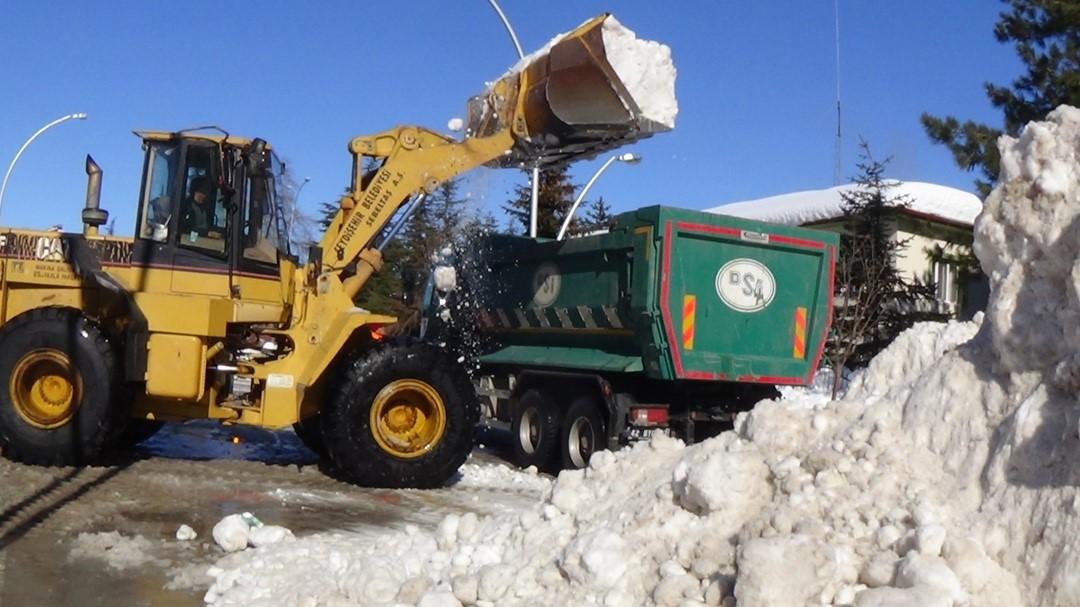 Seydişehir'de karla mücadele