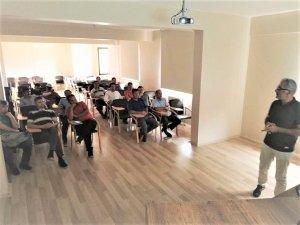 Seydişehir'de Çilek Üreticilerine Eğitim