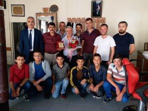 Seydişehir Mesleki Eğitim Merkezi, Ahilik Haftasında Kuaför Yakup Erdoğan'ı unutmadı.