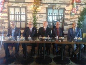 Abdulkadir Çat bağımsız belediye başkanlığını açıkladı