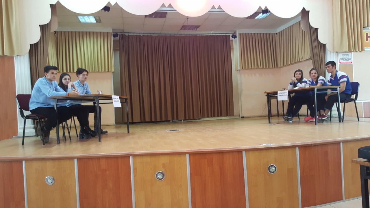 Haydi Konuş Bakalım Münazara Yarışması Finalinde Mahmut Esat Anadolu Lisesi Birinci olmuştur.