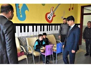 Kaymakam Erdoğan, özel eğitim okulunu inceledi
