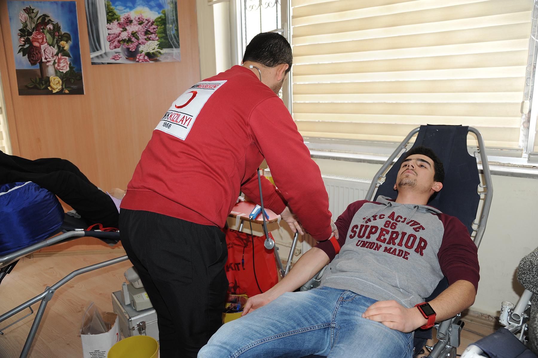 KOMEK Kursiyerleri Kan Bağışında Bulundu