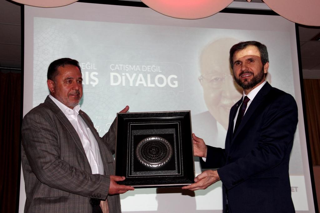 Necmettin Erbakan Seydişehir'de anıldı