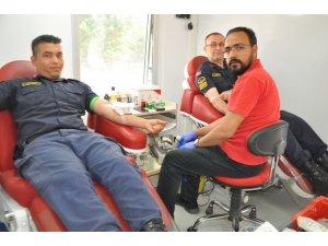 Jandarma Komutanlığı Kızılay'a kan bağışladı