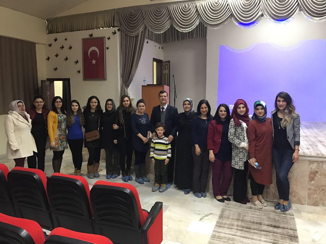 """BAŞHEKİM ALTINTEPE' DEN KARDELEN ANAOKULU VELİLERİNE """"SAĞLIKLI BESLENME"""" KONFERANSI"""