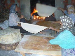 Bayramlık ekmekler hazırlanıyor