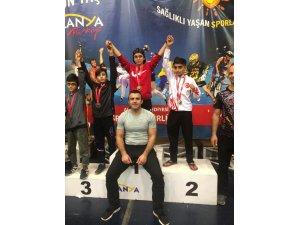 Muay Thai Takımı Yine Madalyalarla Döndü