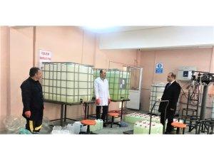 Öğrenciler kuğu markasıyla dezenfektan üretiyor