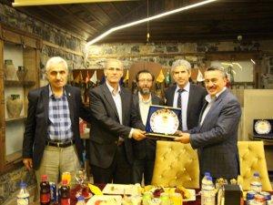 TÜFAD'DAN BELEDİYE BAŞKANI MEHMET TUTAL'A PLAKET